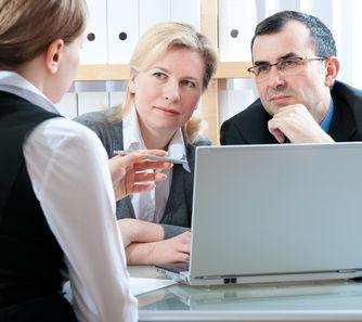 שיקולים והנחיות בבחירת עורך דין